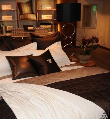Biancheria camera letto copriletto cuscini tappeti tende - Cuscini camera da letto ...