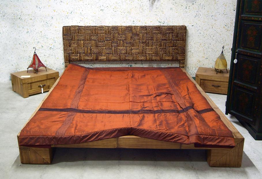 Letto etnico, camera da letto: basso, legno, teak, bambù